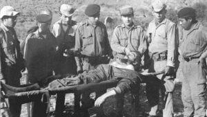 El Che muerto