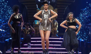 LAS VEGAS, NV - SEPTEMBER 21:  Singer Rihanna performs onstage during the 2012 iHeartRadio Music Festival at the MGM Grand Garden Arena on September 21, 2012 in Las Vegas, Nevada.  (Photo by Christopher Polk/Getty Images for Clear Channel)