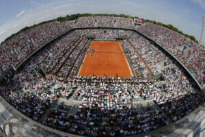 View of Philippe Chatrier center court during final of the French Open tennis tournament between Russia's Maria Sharapova and Romania's Simona Halep at the Roland Garros stadium, in Paris, France, Saturday, June 7, 2014. (AP Photo/David Vincent)
