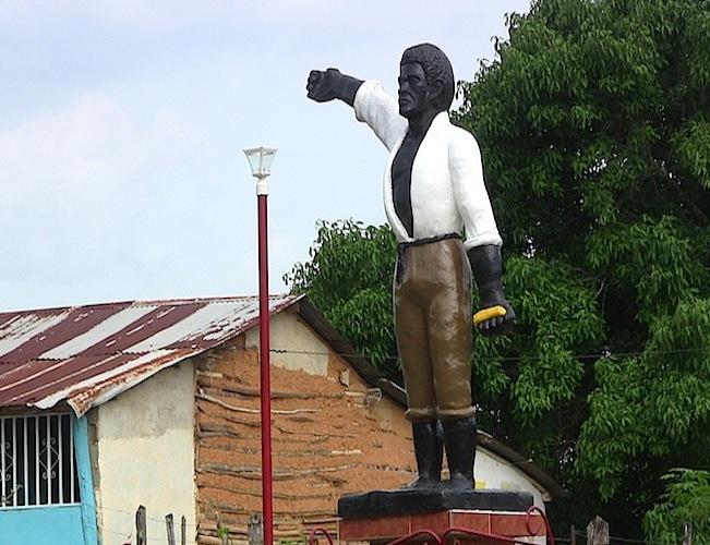 Estatua del Negro Miguel de Buria